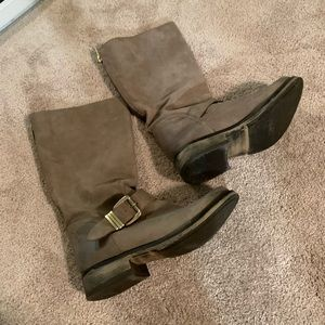 STEVE MADDEN MID CALF ZIP UP BOOT